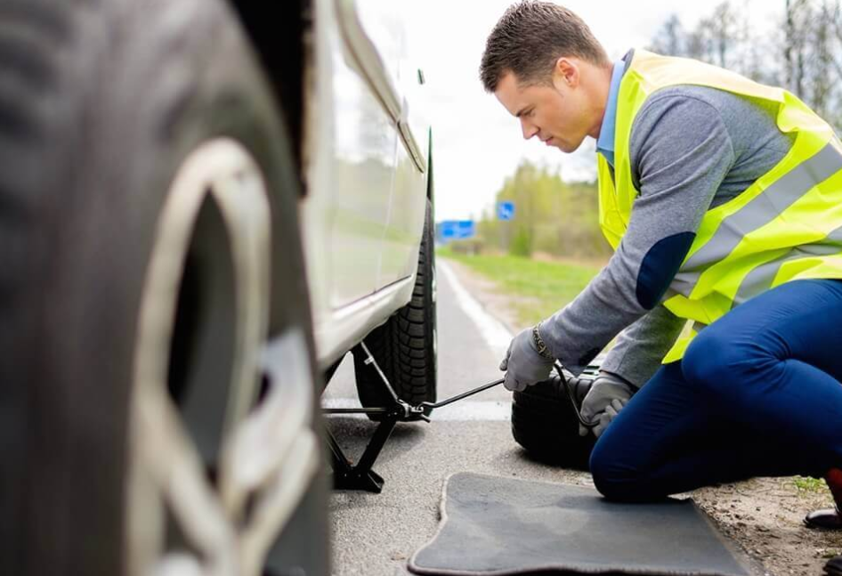 What services should be covered by a roadside assistance program